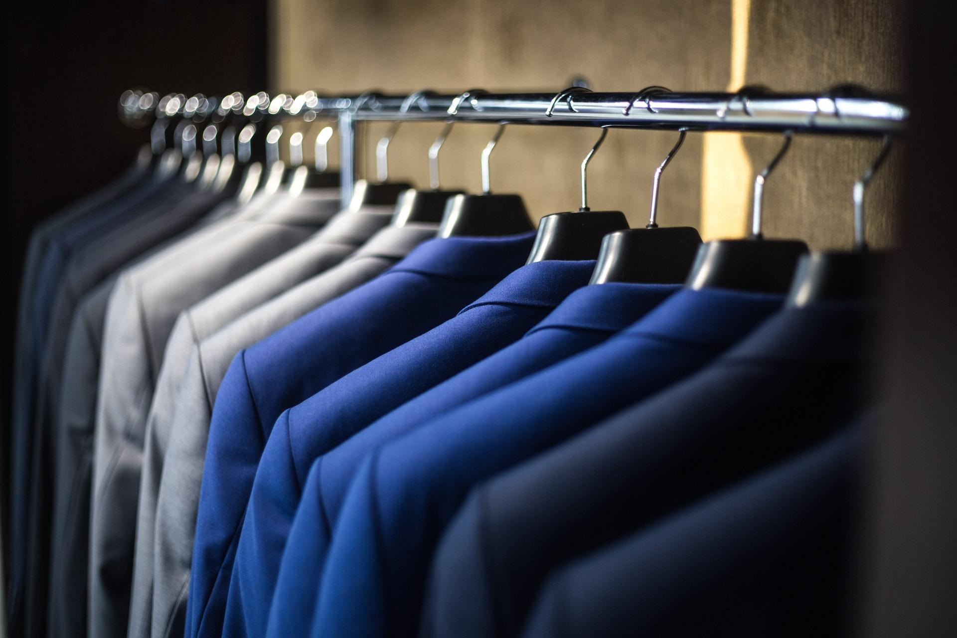 Organizacja garderoby – prosta droga do lepszego stylu