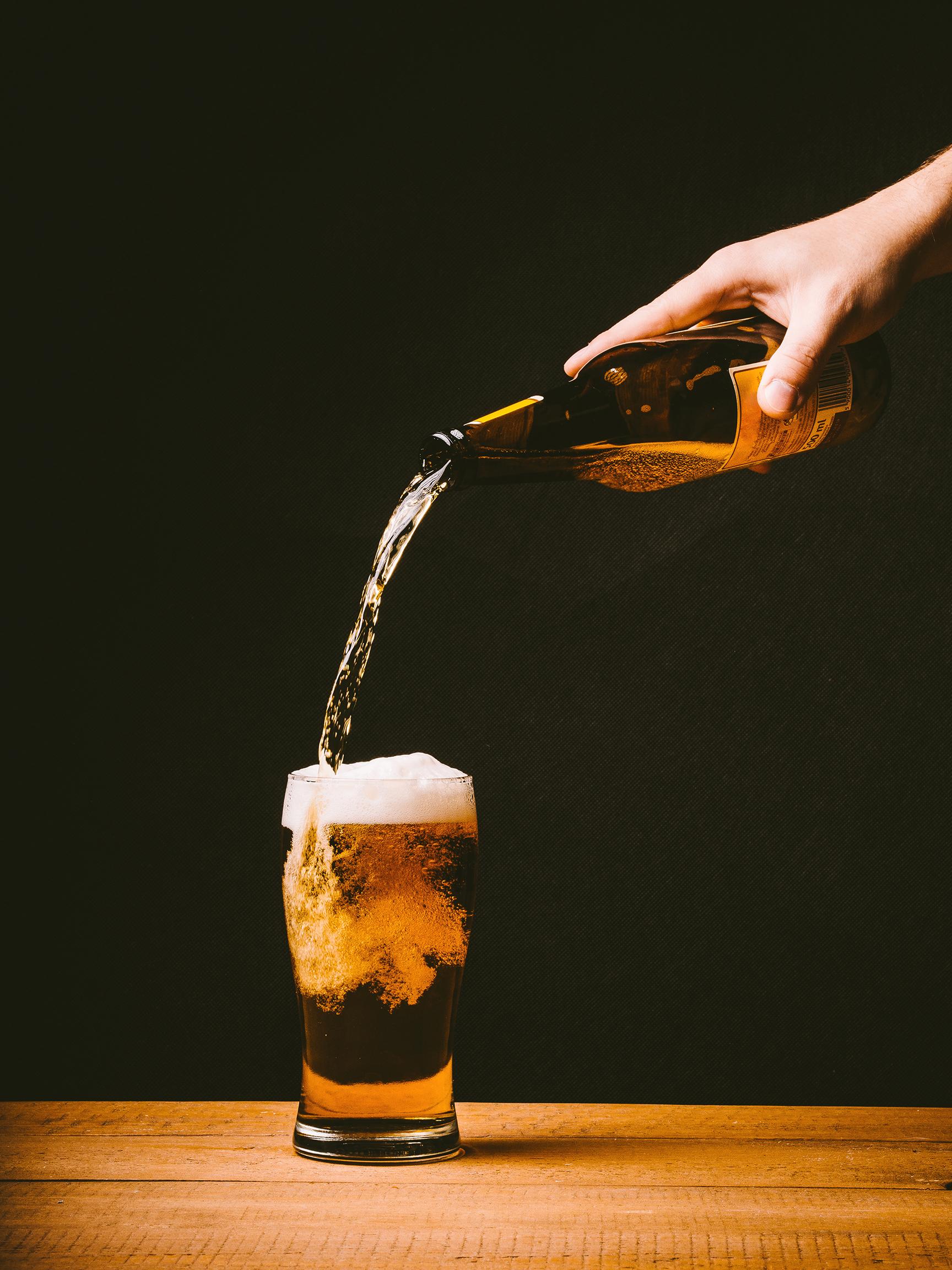 Drinki z piwem na upalne dni
